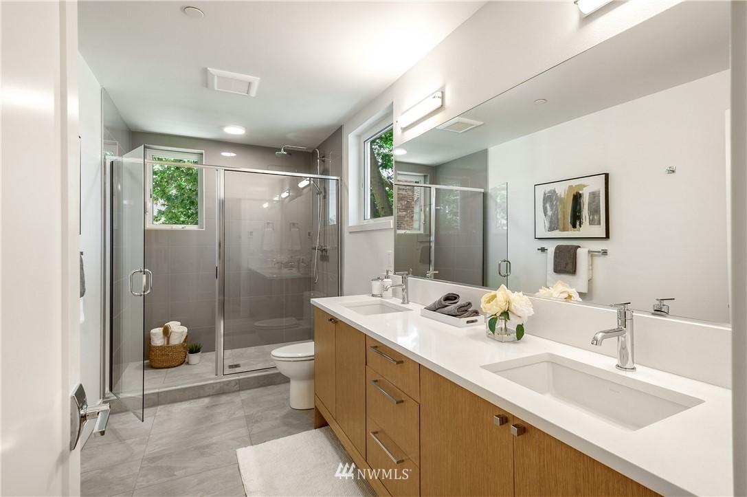 Sold Property | 3943 2nd Avenue NE Seattle, WA 98105 12