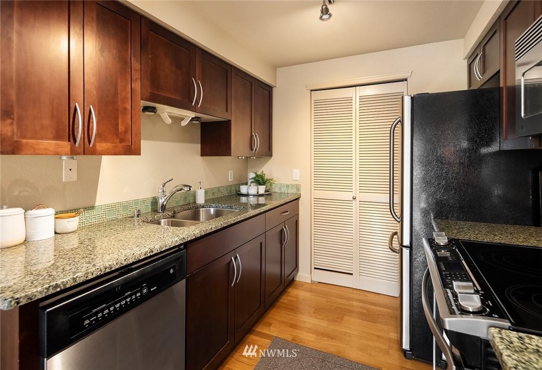 Sold Property   3045 20th Avenue W #306 Seattle, WA 98199 7