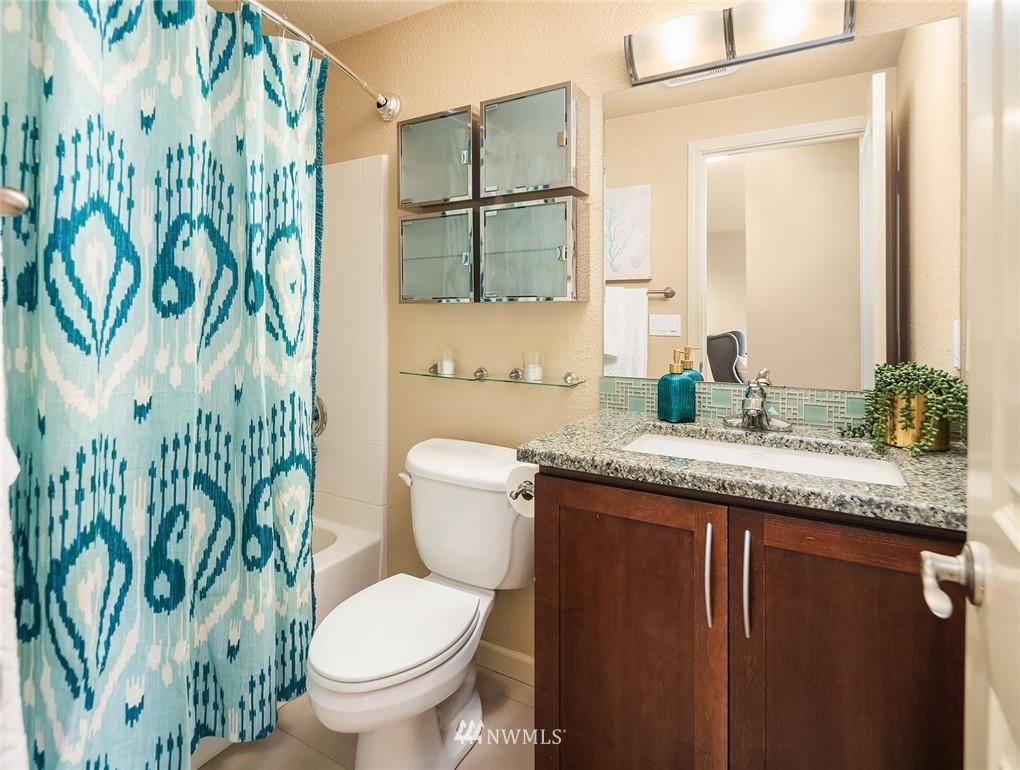 Sold Property   3045 20th Avenue W #306 Seattle, WA 98199 10