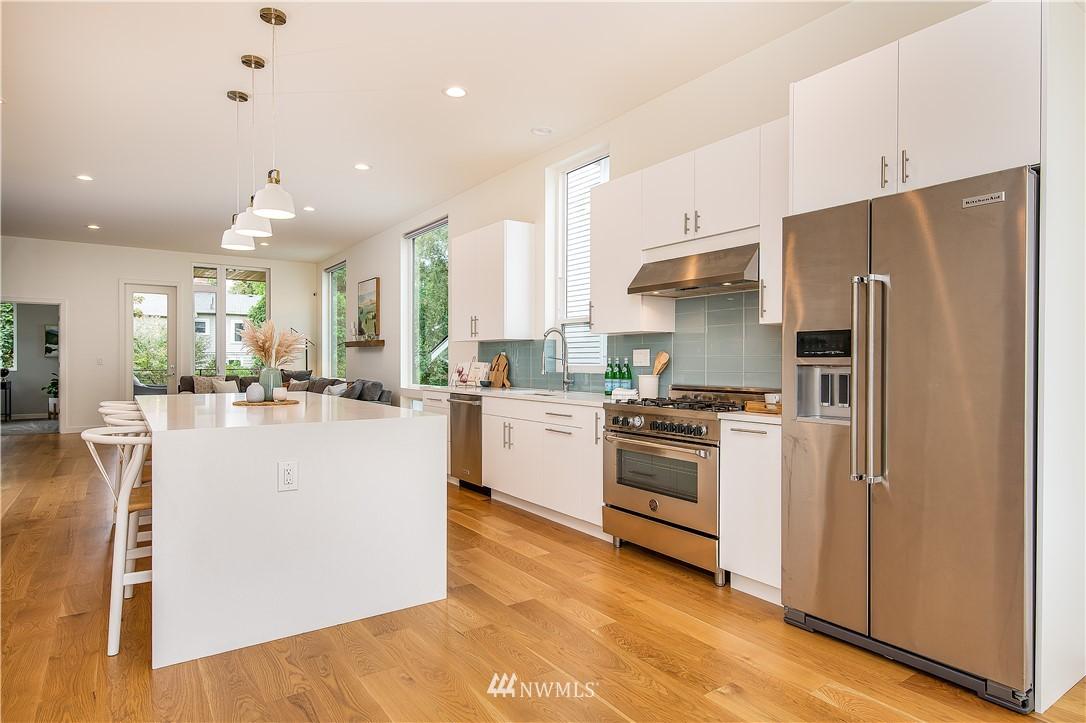 Sold Property | 5544 27th Avenue NE Seattle, WA 98105 6