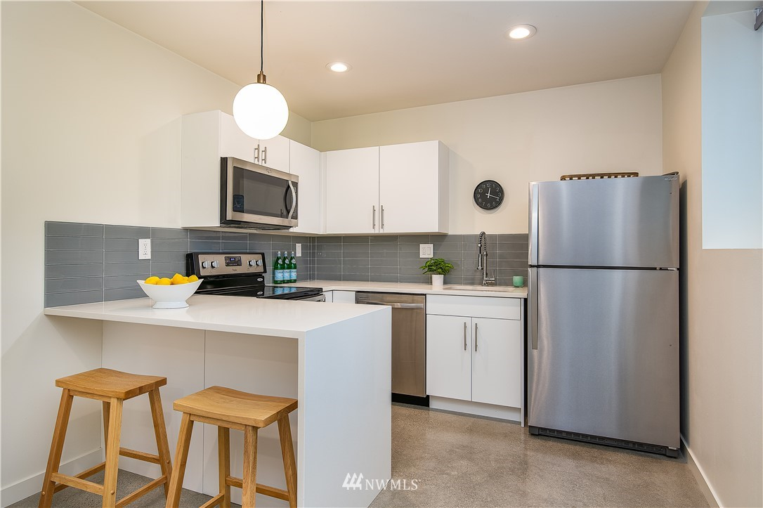 Sold Property | 5544 27th Avenue NE Seattle, WA 98105 22