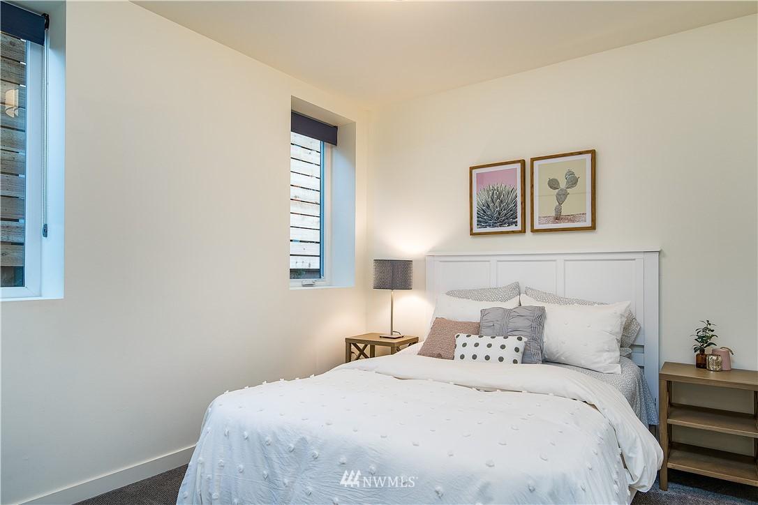 Sold Property | 5544 27th Avenue NE Seattle, WA 98105 23