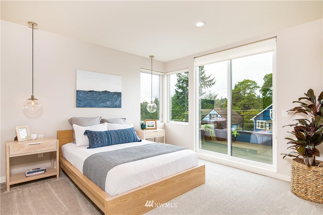 Sold Property | 5544 27th Avenue NE Seattle, WA 98105 13