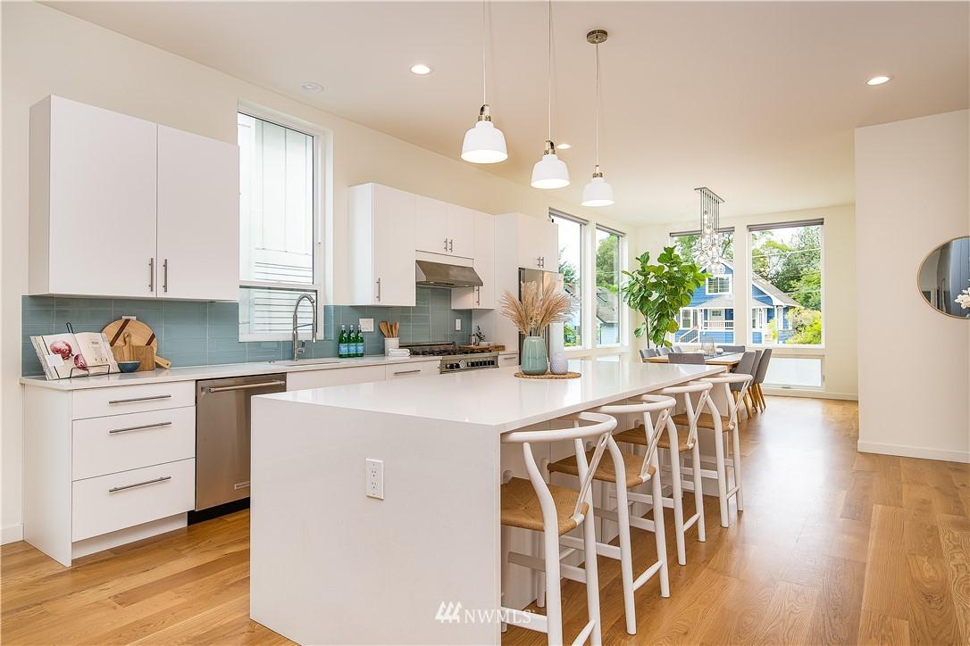 Sold Property | 5544 27th Avenue NE Seattle, WA 98105 8