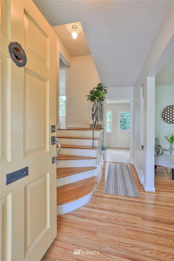 Sold Property | 7352 20th Avenue NE Seattle, WA 98115 1