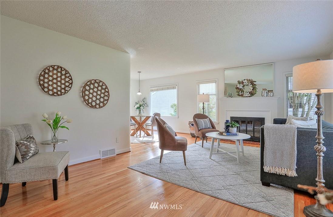 Sold Property | 7352 20th Avenue NE Seattle, WA 98115 2