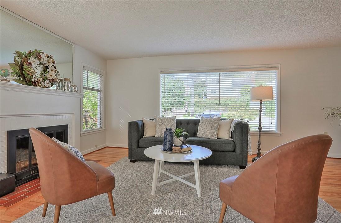 Sold Property | 7352 20th Avenue NE Seattle, WA 98115 4