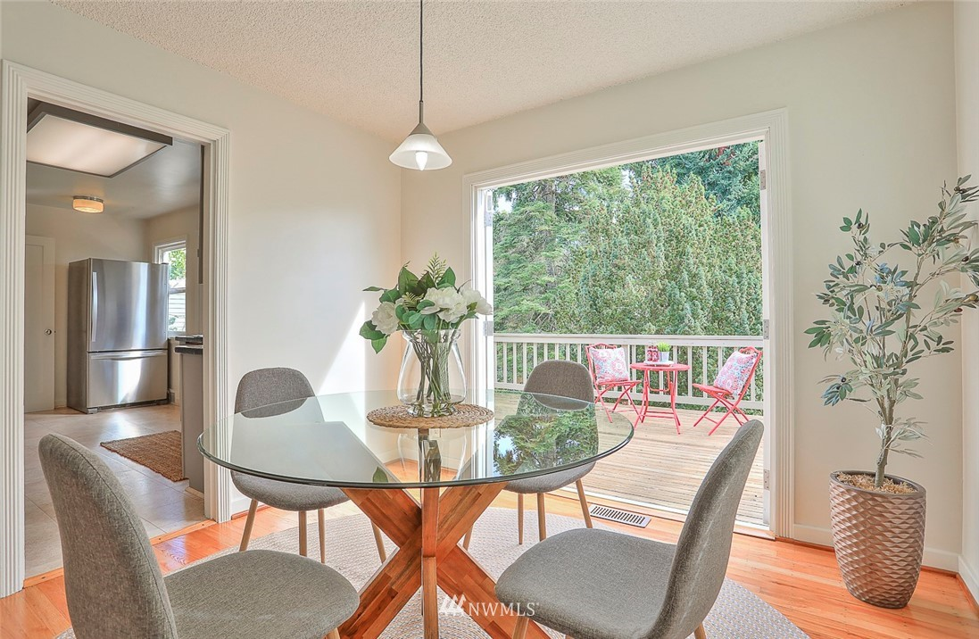 Sold Property | 7352 20th Avenue NE Seattle, WA 98115 6