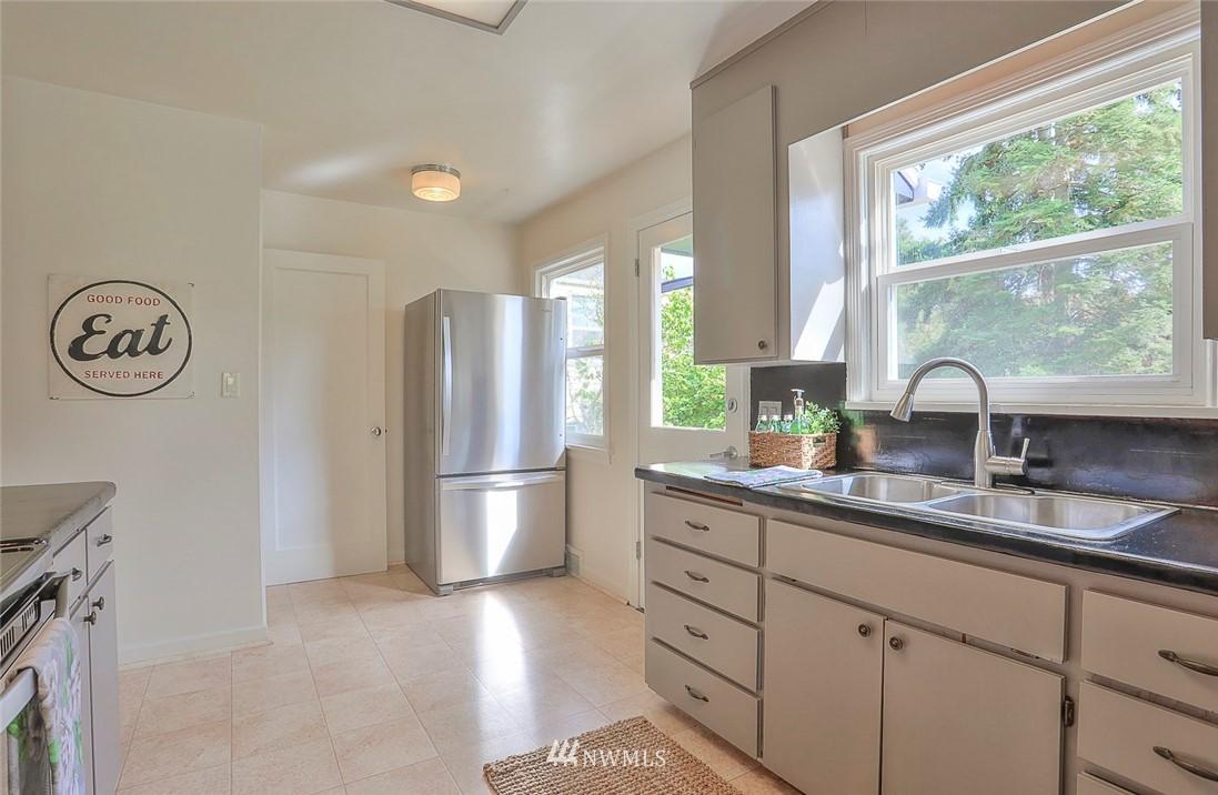 Sold Property | 7352 20th Avenue NE Seattle, WA 98115 7