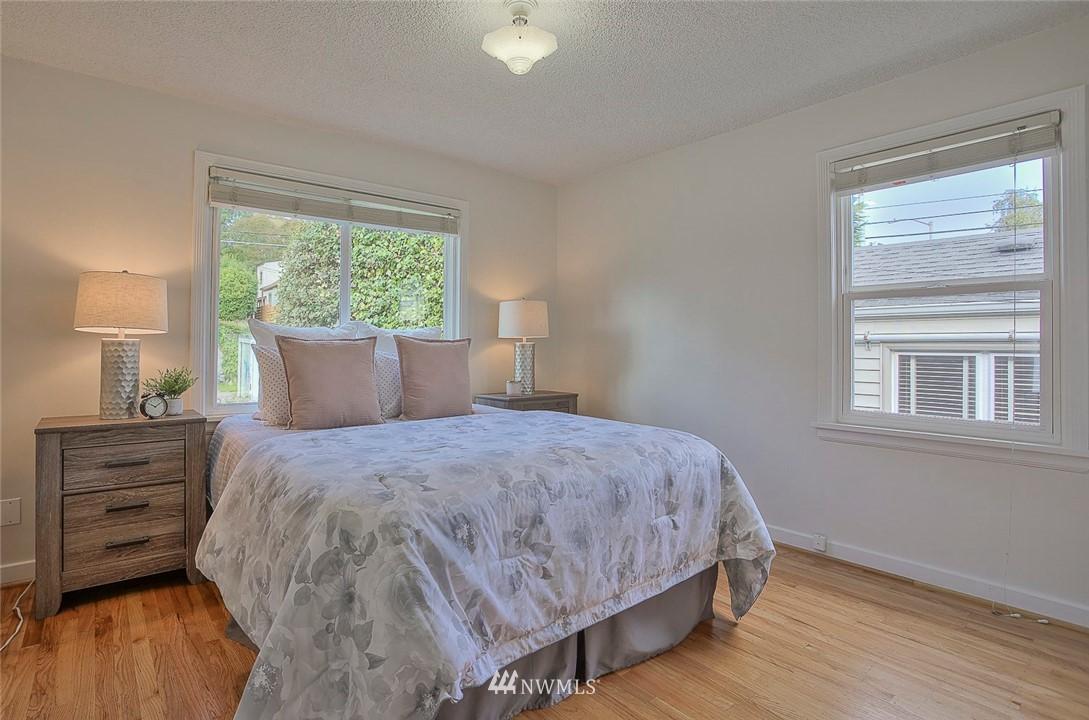 Sold Property | 7352 20th Avenue NE Seattle, WA 98115 9