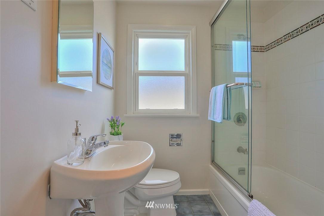 Sold Property | 7352 20th Avenue NE Seattle, WA 98115 11