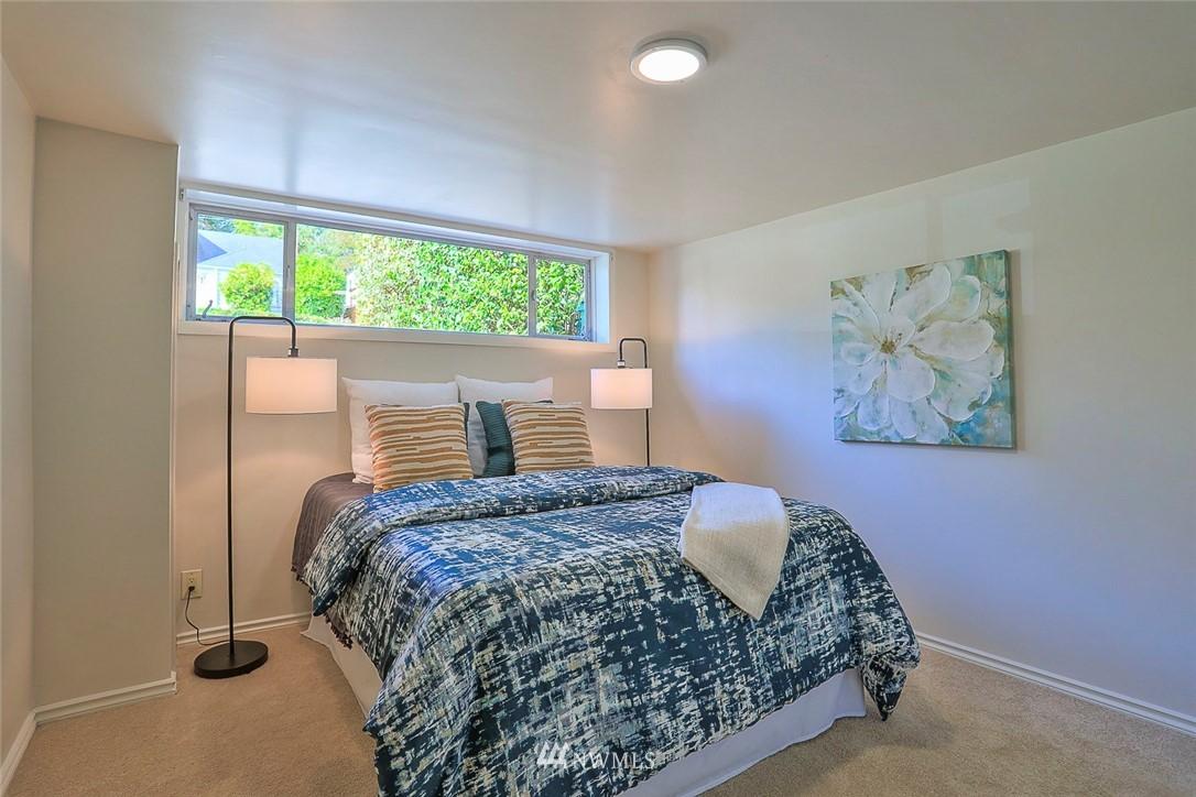 Sold Property | 7352 20th Avenue NE Seattle, WA 98115 13