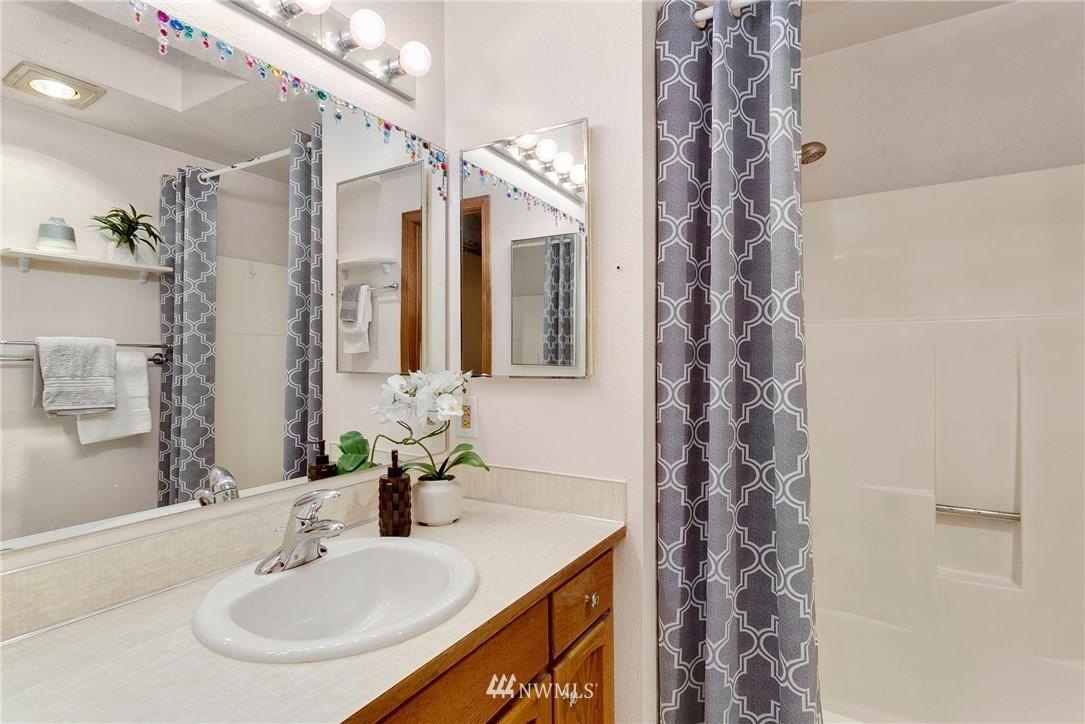 Sold Property   730 N 161st Place #15 Shoreline, WA 98133 18