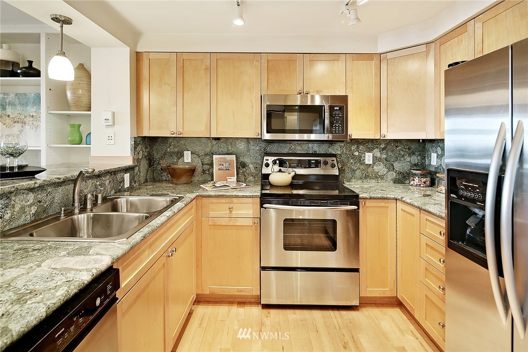 Sold Property   1549 NW 57th Street Seattle, WA 98107 7