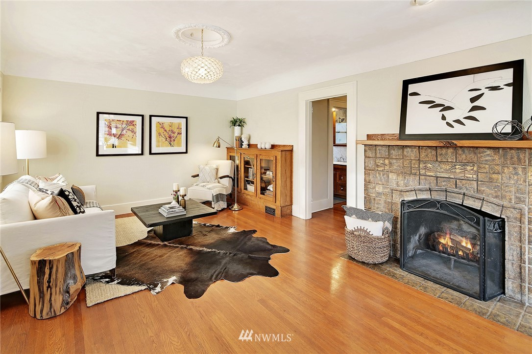 Sold Property   6225 Woodlawn Avenue N Seattle, WA 98103 2