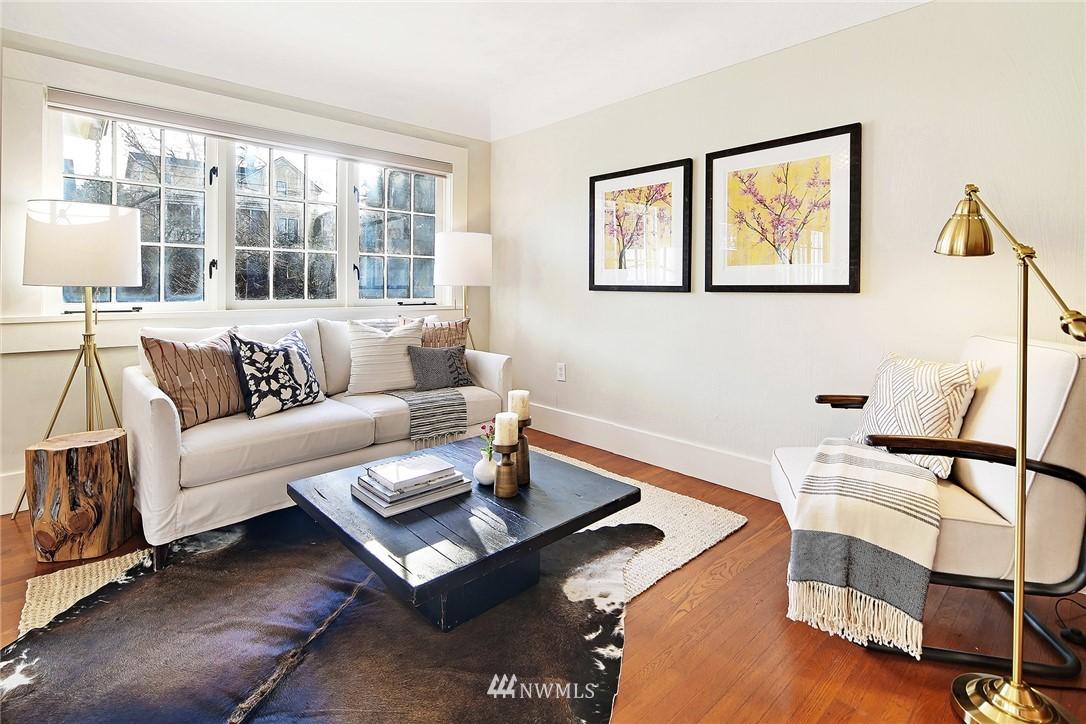 Sold Property   6225 Woodlawn Avenue N Seattle, WA 98103 4