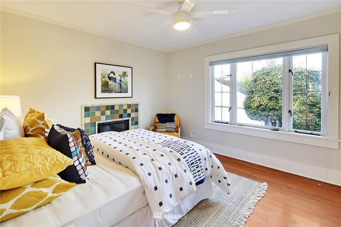 Sold Property   6225 Woodlawn Avenue N Seattle, WA 98103 11