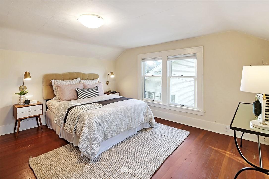 Sold Property   6225 Woodlawn Avenue N Seattle, WA 98103 13
