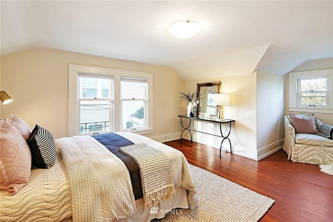Sold Property   6225 Woodlawn Avenue N Seattle, WA 98103 14