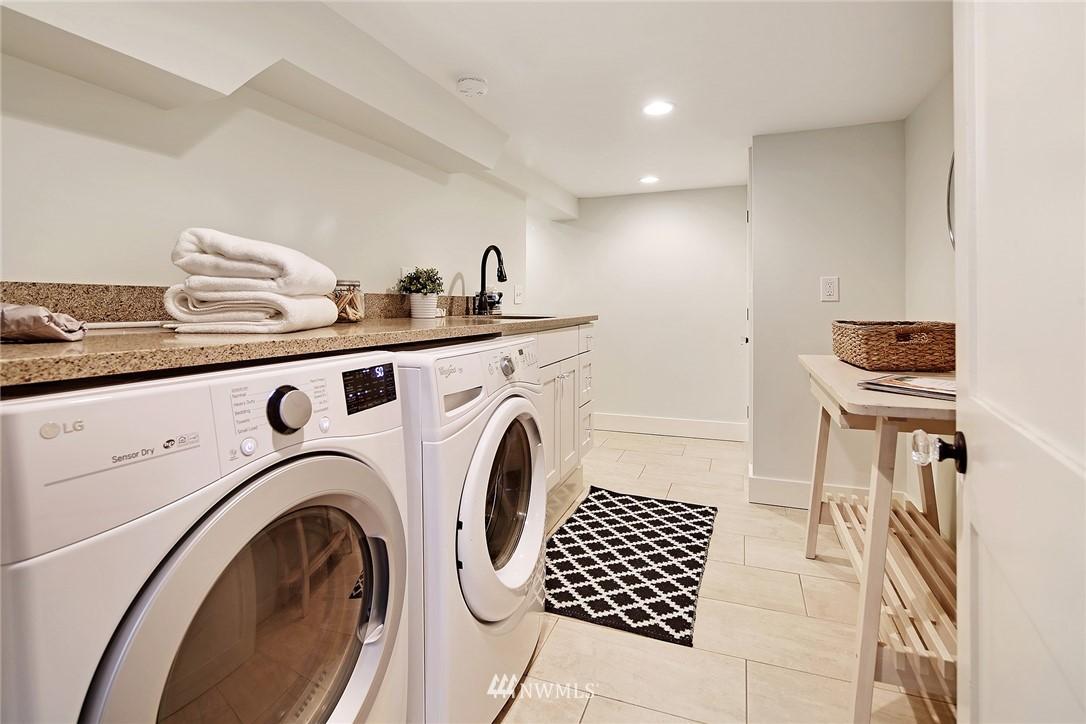 Sold Property   6225 Woodlawn Avenue N Seattle, WA 98103 17