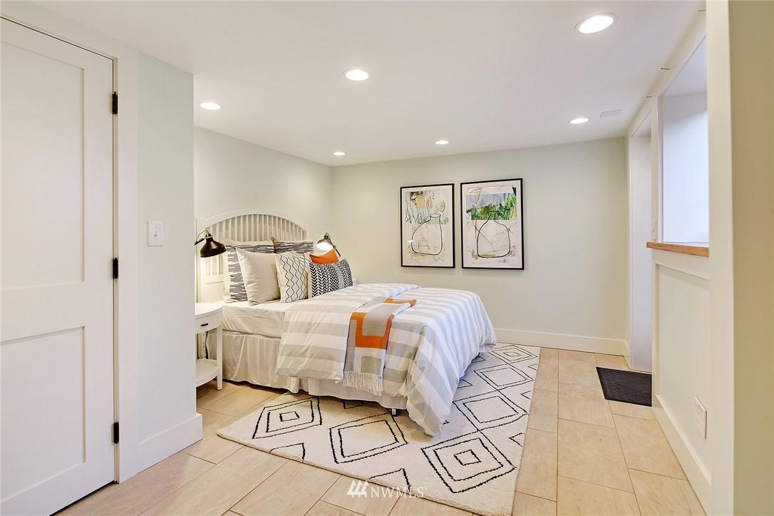 Sold Property   6225 Woodlawn Avenue N Seattle, WA 98103 18