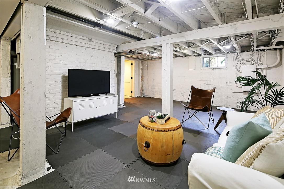 Sold Property   6225 Woodlawn Avenue N Seattle, WA 98103 19