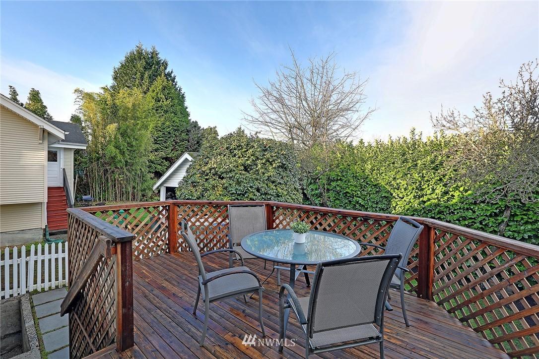 Sold Property   6225 Woodlawn Avenue N Seattle, WA 98103 21