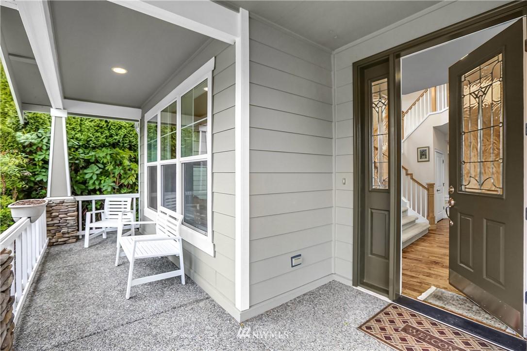 Sold Property | 1810 28th Avenue NE Issaquah, WA 98029 2