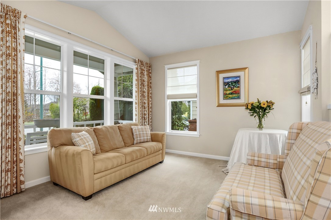 Sold Property | 1810 28th Avenue NE Issaquah, WA 98029 4
