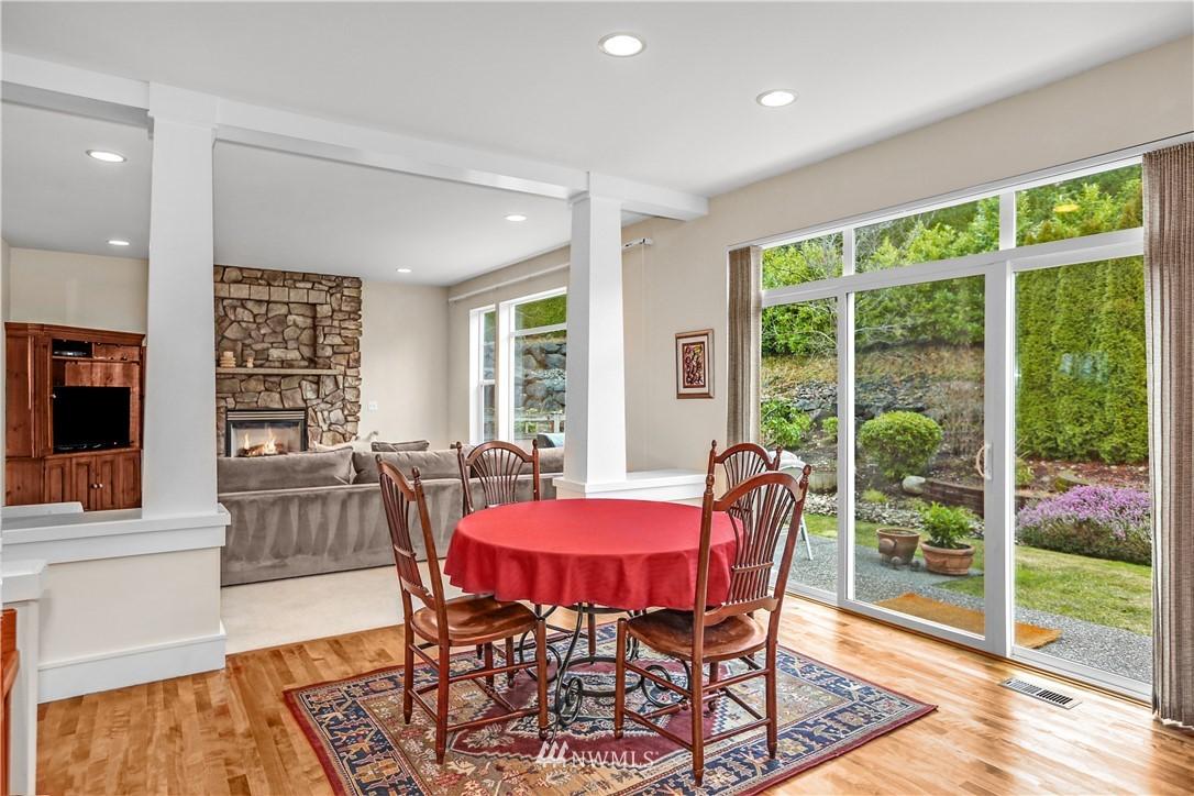 Sold Property | 1810 28th Avenue NE Issaquah, WA 98029 8