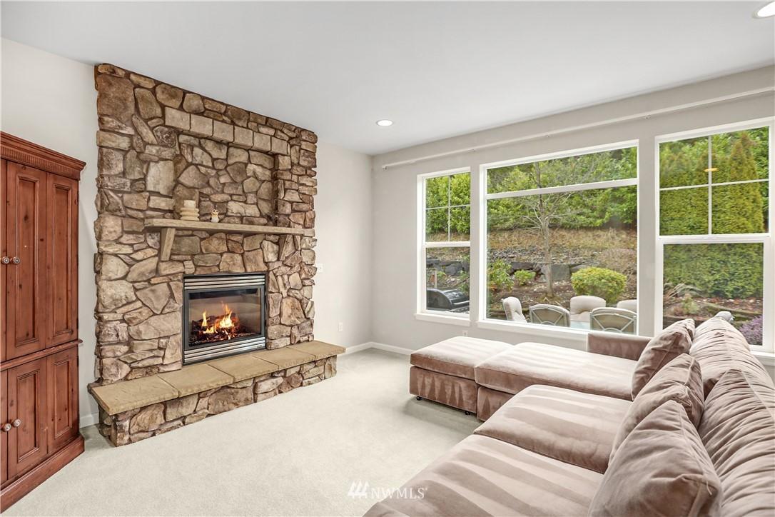 Sold Property | 1810 28th Avenue NE Issaquah, WA 98029 9