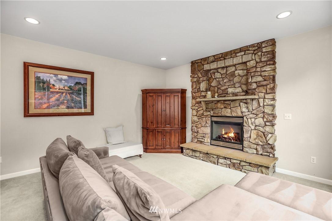 Sold Property | 1810 28th Avenue NE Issaquah, WA 98029 10