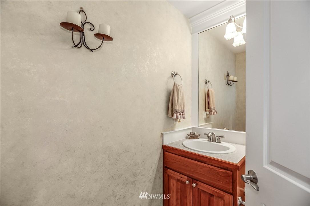 Sold Property | 1810 28th Avenue NE Issaquah, WA 98029 13