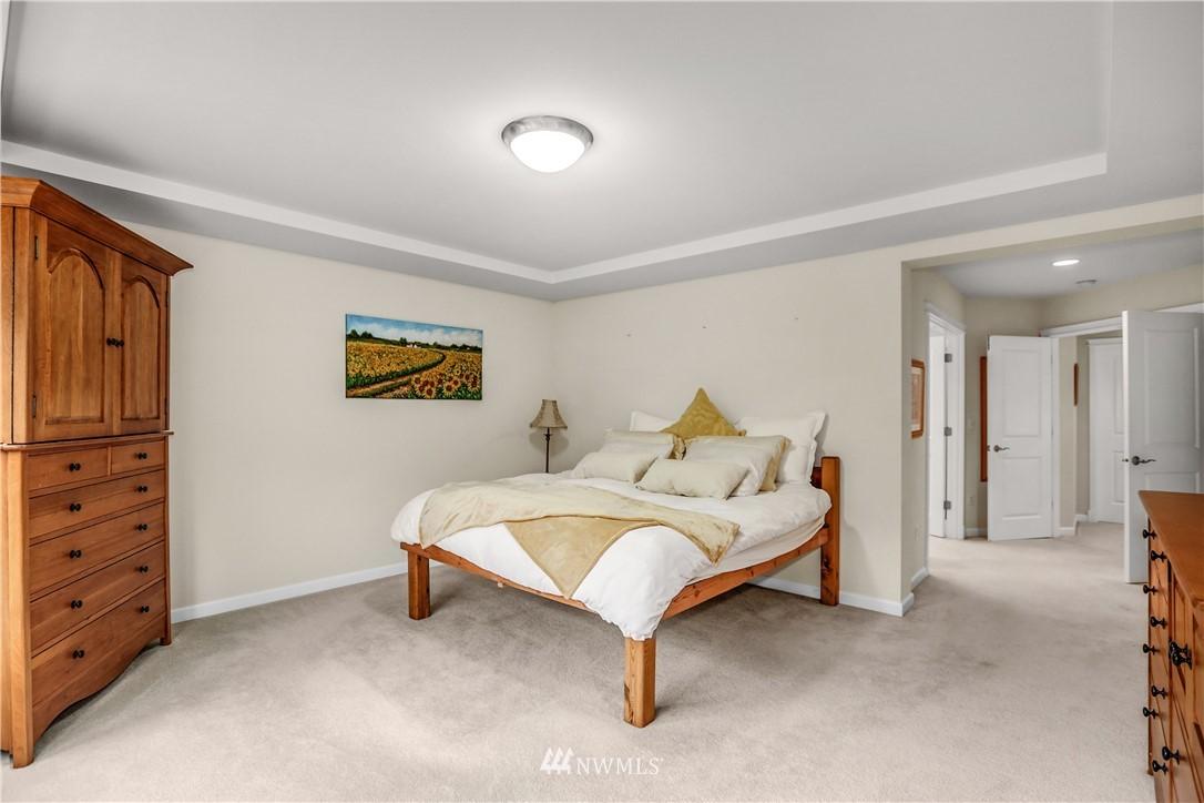 Sold Property | 1810 28th Avenue NE Issaquah, WA 98029 16