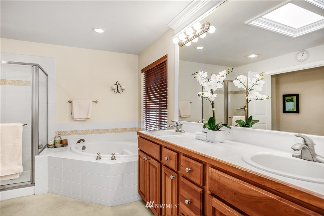 Sold Property | 1810 28th Avenue NE Issaquah, WA 98029 18