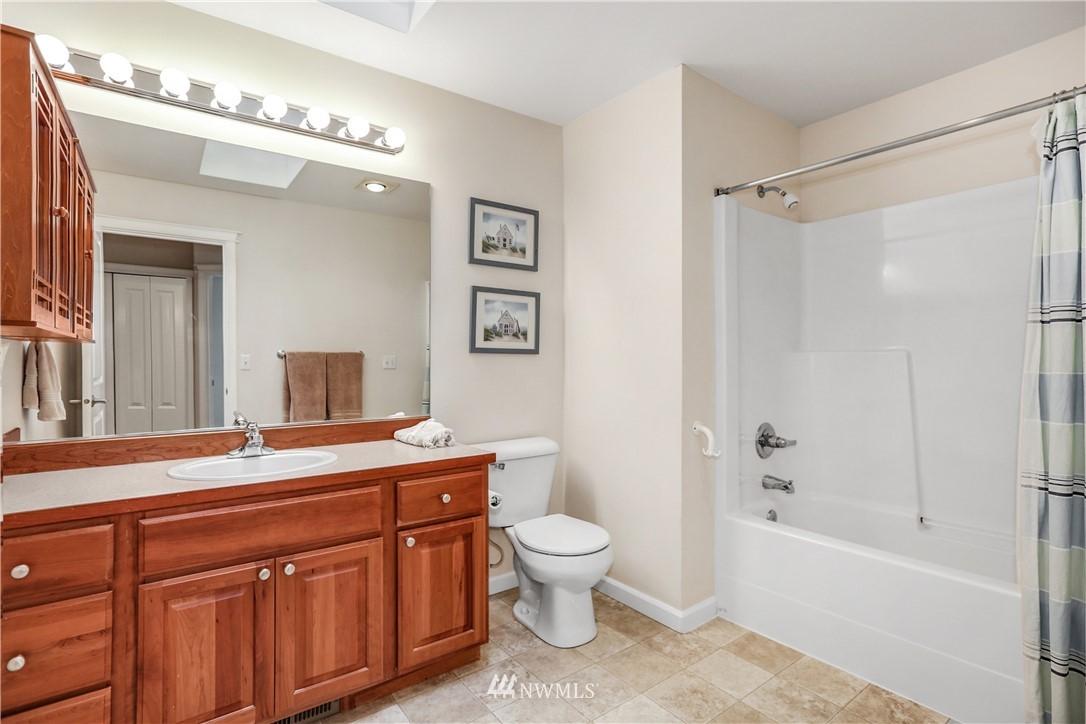 Sold Property | 1810 28th Avenue NE Issaquah, WA 98029 22