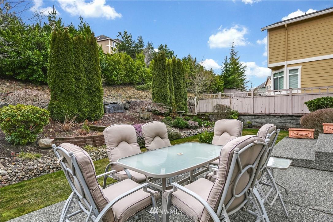 Sold Property | 1810 28th Avenue NE Issaquah, WA 98029 24