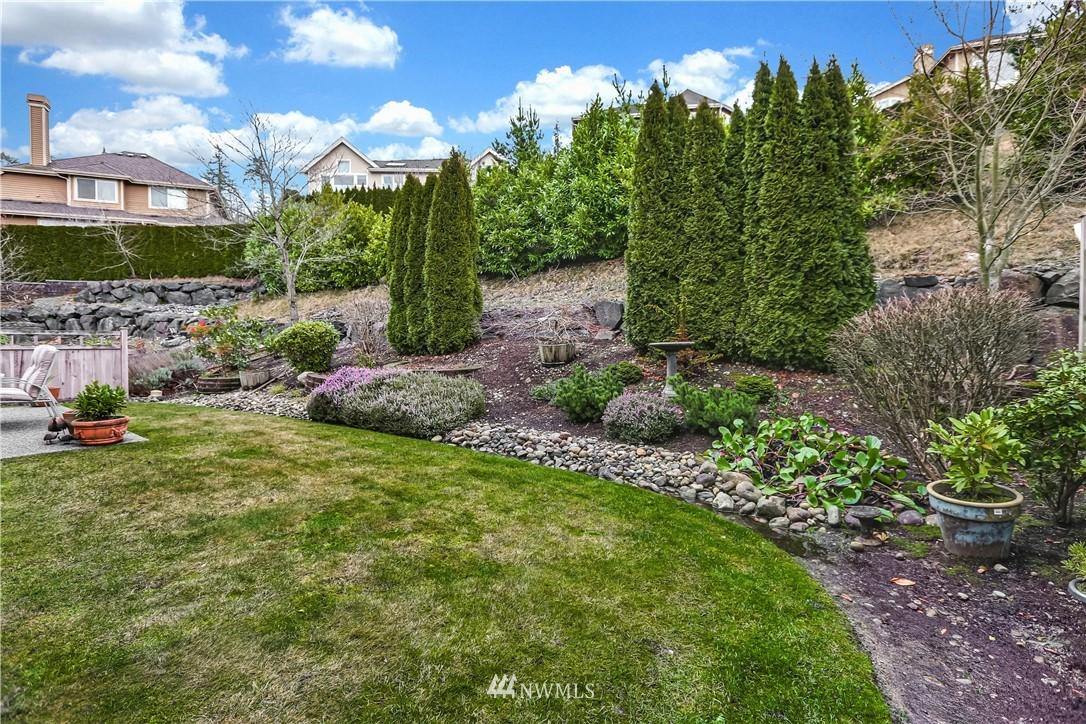 Sold Property | 1810 28th Avenue NE Issaquah, WA 98029 25
