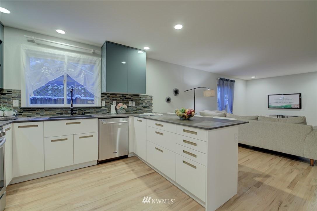 Sold Property | 19207 Firlands Way N Shoreline, WA 98133 11