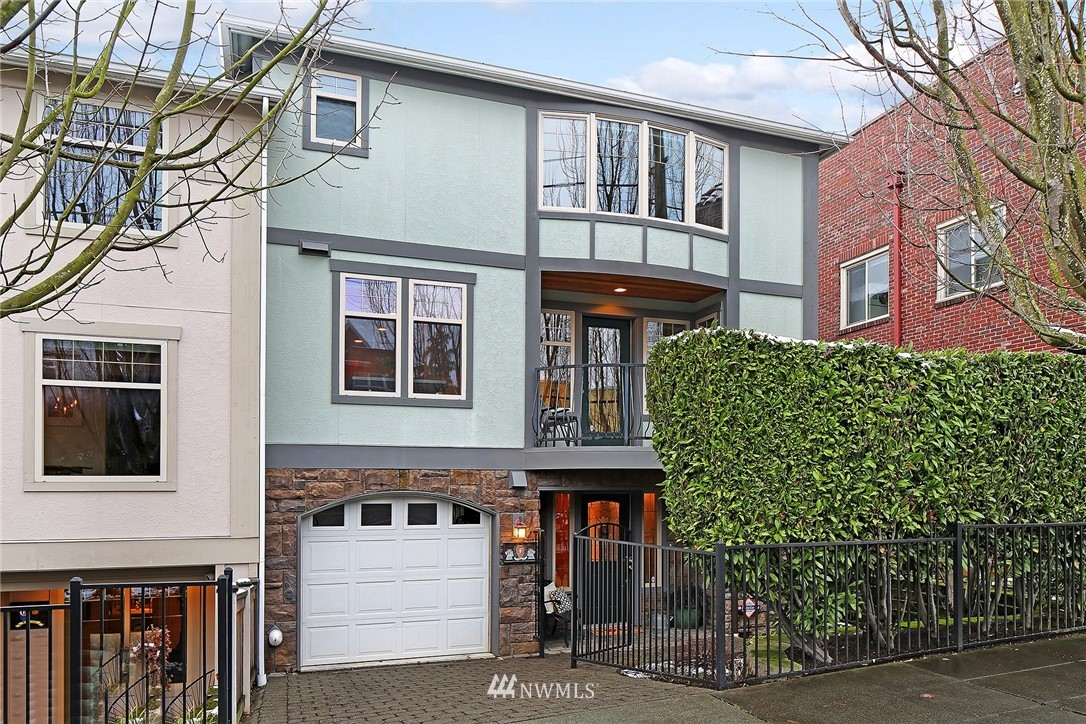 Sold Property   4423 Phinney Avenue N #F Seattle, WA 98103 0
