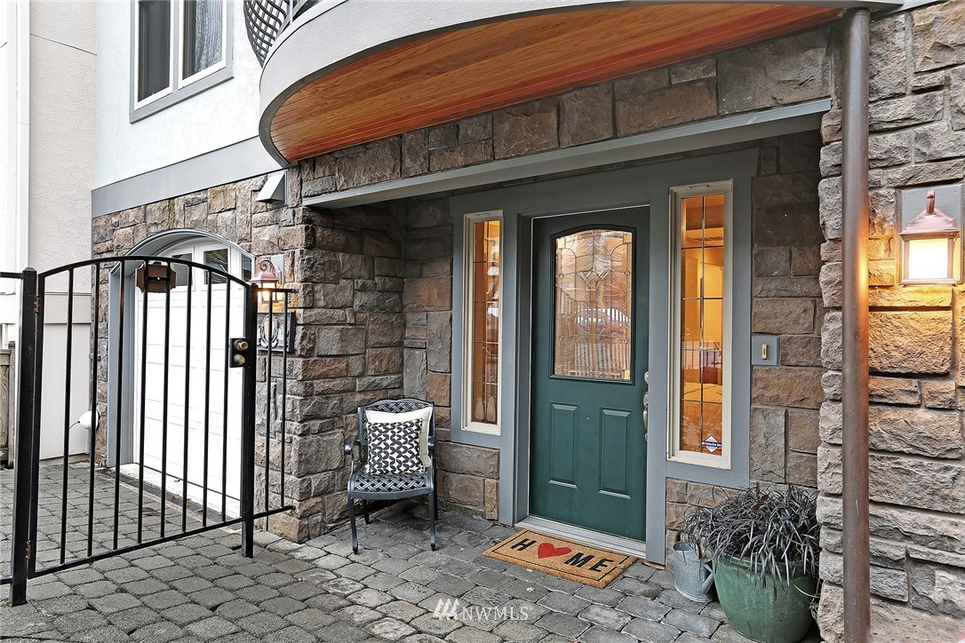 Sold Property   4423 Phinney Avenue N #F Seattle, WA 98103 1