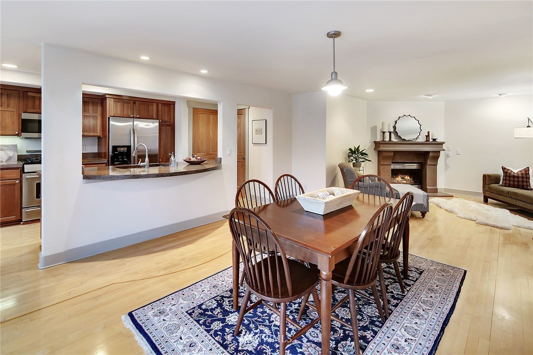 Sold Property   4423 Phinney Avenue N #F Seattle, WA 98103 5