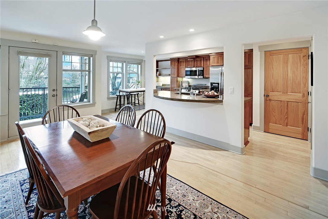 Sold Property   4423 Phinney Avenue N #F Seattle, WA 98103 4
