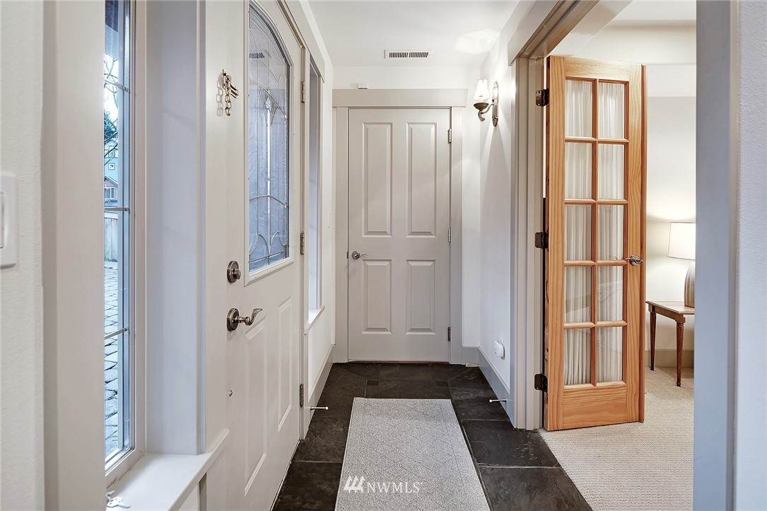 Sold Property   4423 Phinney Avenue N #F Seattle, WA 98103 2