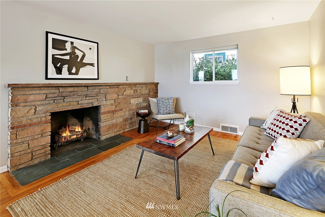 Sold Property   225 NW 49th Street Seattle, WA 98107 3