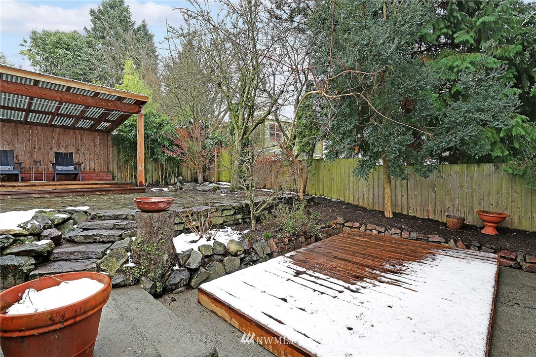 Sold Property   225 NW 49th Street Seattle, WA 98107 16