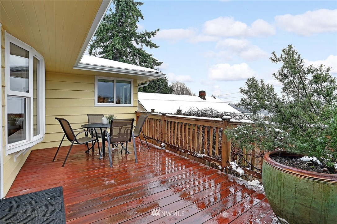 Sold Property   225 NW 49th Street Seattle, WA 98107 17