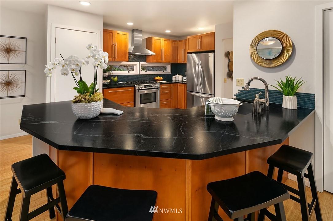 Sold Property   4920 NE 180th Street Lake Forest Park, WA 98155 7