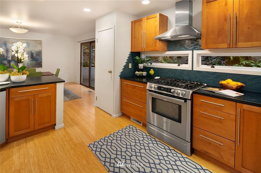 Sold Property   4920 NE 180th Street Lake Forest Park, WA 98155 9