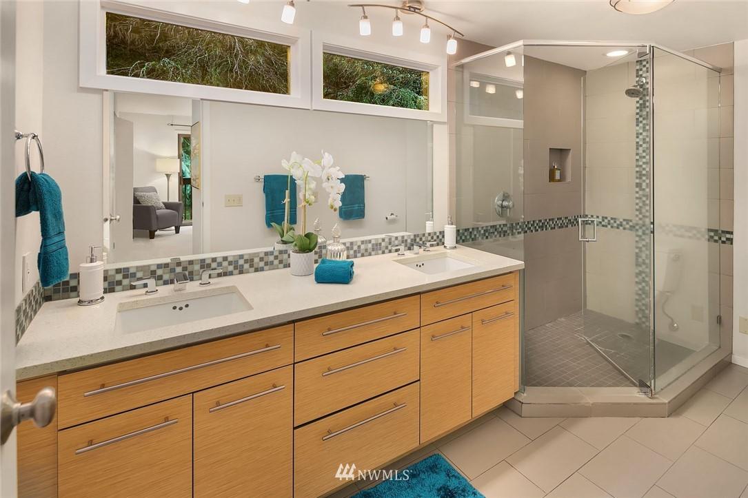Sold Property   4920 NE 180th Street Lake Forest Park, WA 98155 18